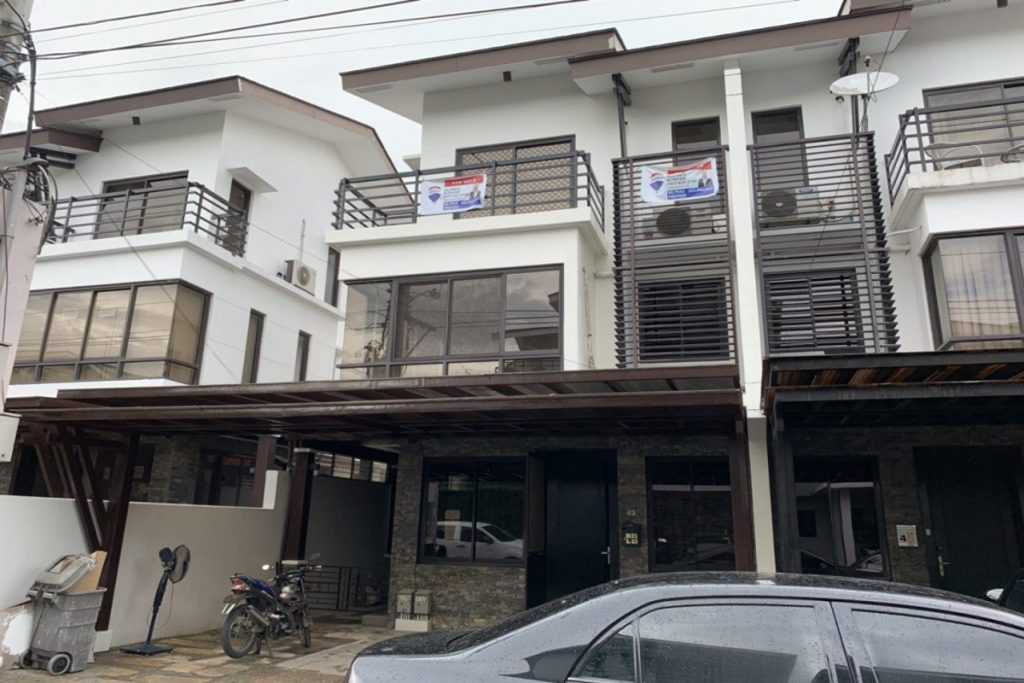 Mahogany Place 3 Townhouse (1)